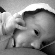 Din nou despre alăptarea gemenilor şi a bebeluşilor prematuri