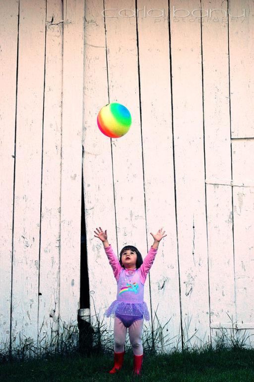 Joaca cu mingea curcubeu