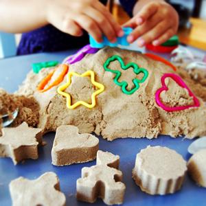 Nisipul kinetic – nisipul perfect pentru interior