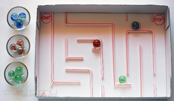 Labirint cu bile de sticla